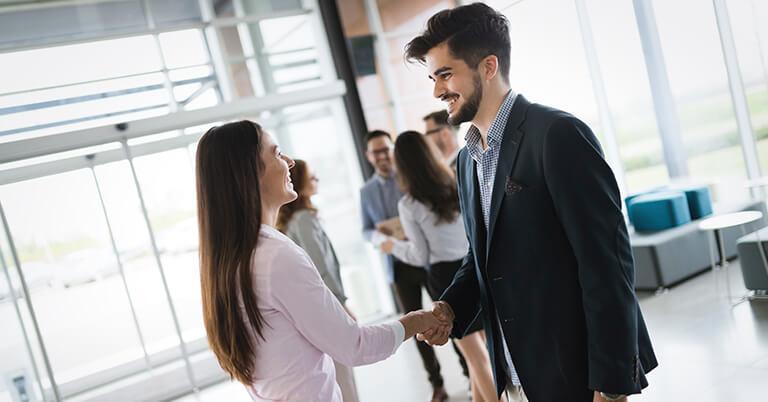 cliente hablando con empresa